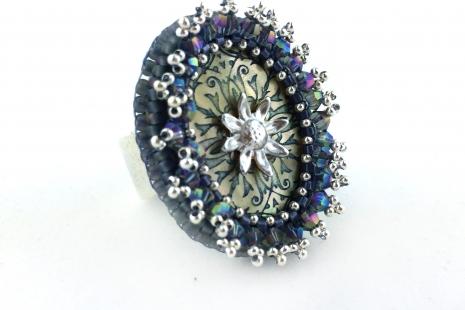 Orné de Fleurs Ring - Blue